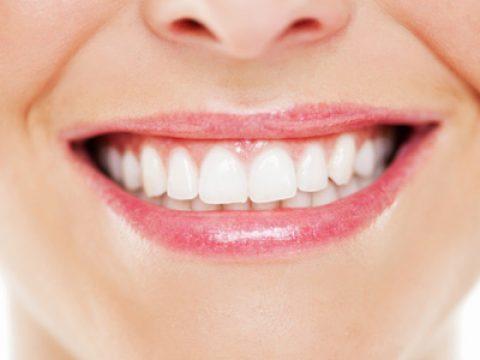 گیر کردن دندانها در شب